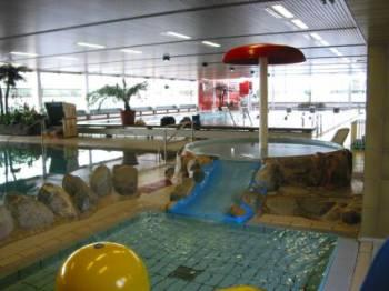 Sport und freizeitbad stadtallendorf hallenbad alldomare for Stadtallendorf schwimmbad