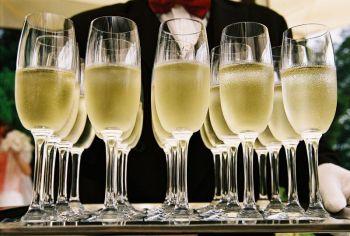 Passt Champagner zum Essen?
