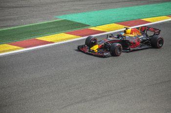 Der Kampf zwischen Lewis Hamilton setzt sich wie erwartet in Imola fort